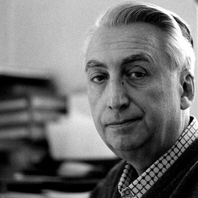 1519292062301_Roland Barthes